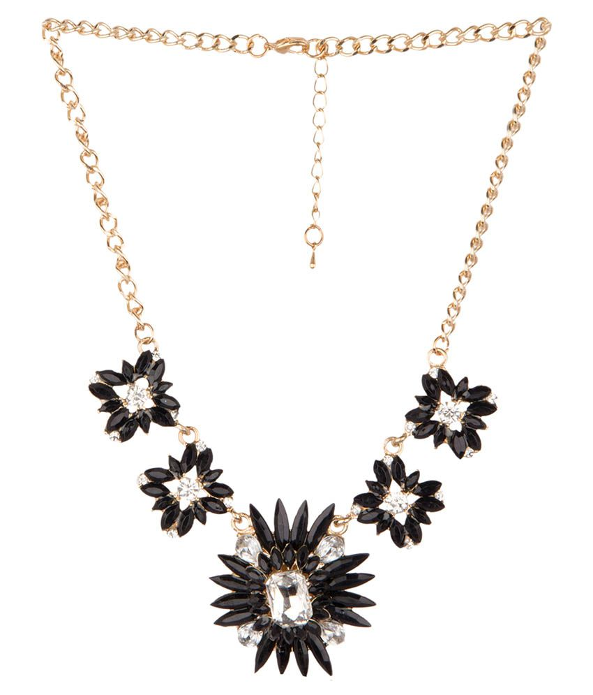 Diva Walk Black Alloy Necklace