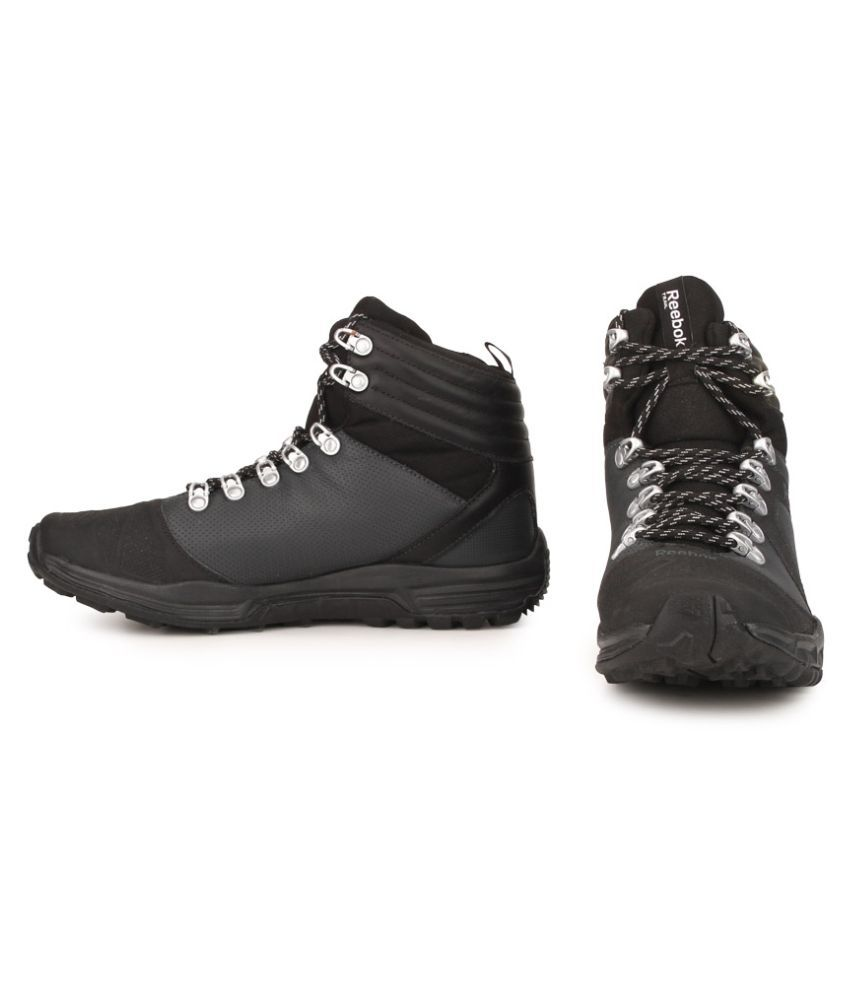 Reebok OUTDOOR VOYAGER MID Black Training Shoes - Buy Reebok OUTDOOR ... a1dfdc073
