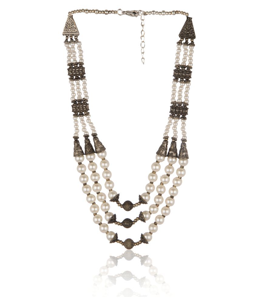 Diva Walk White Alloy Necklace