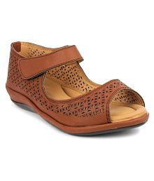 Doctor Soft Brown Flats