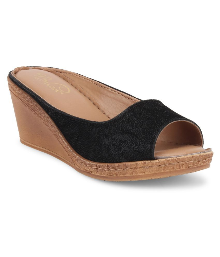 La Briza Black Heels