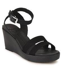 f2010cced0e5 Crocs Women s Footwear  Buy Croc Shoes for Women Online