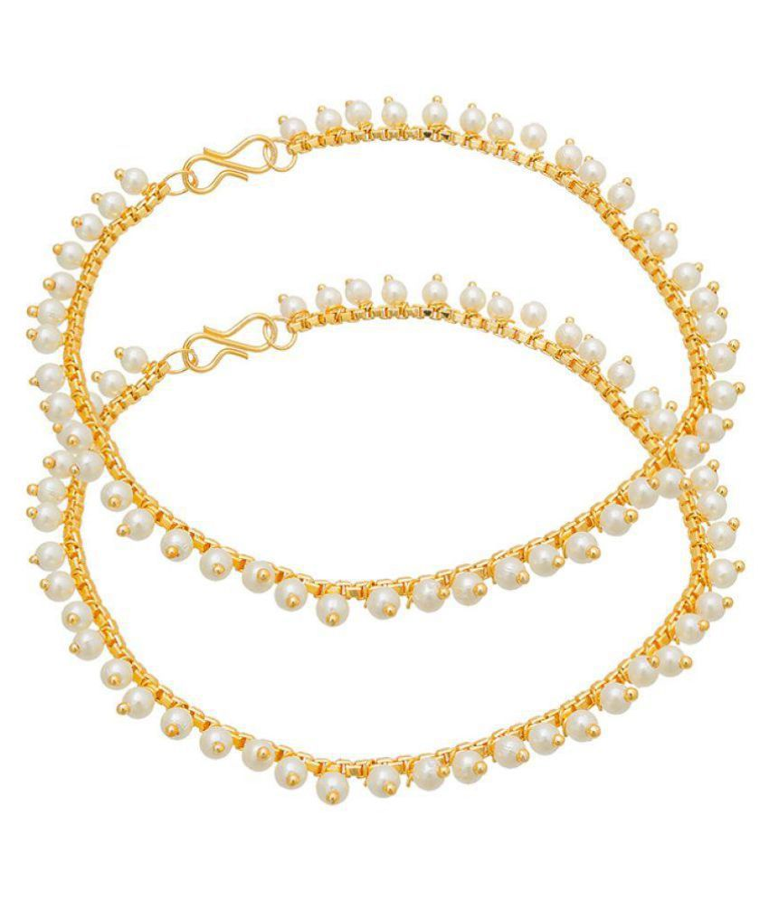 The Luxor Gold Plated Traditional Pearls Studded Pair Of Anklets Ak-5051