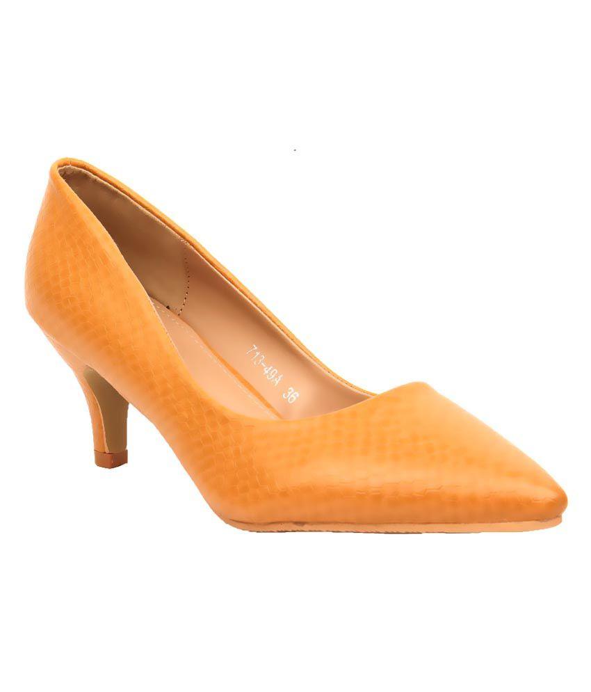 Foot Candy Brown Heels