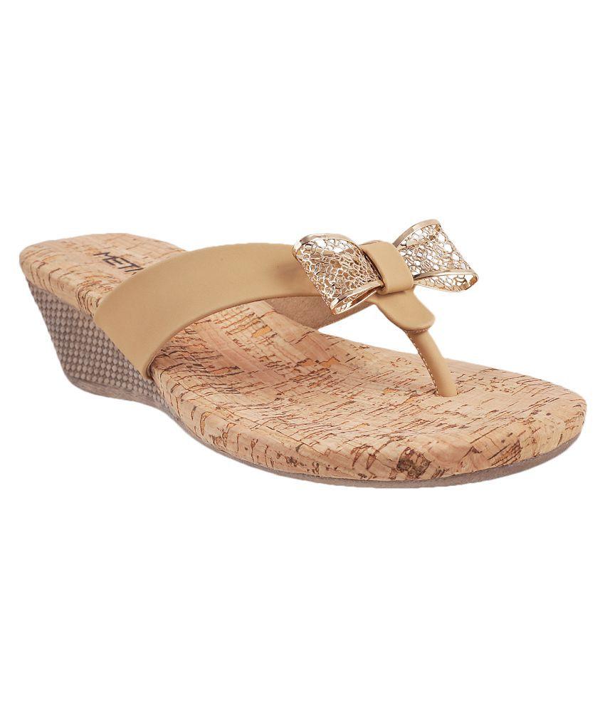 METRO BEIGE Heels
