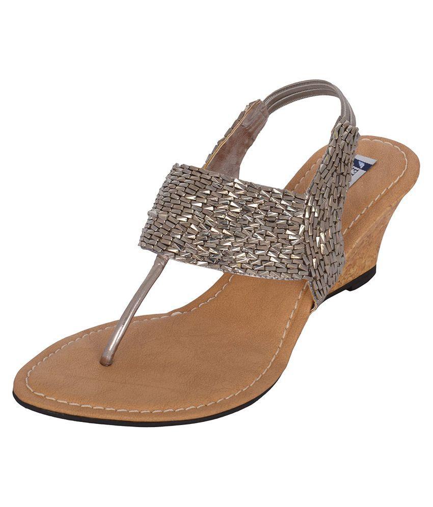 Figure's Gray Heels