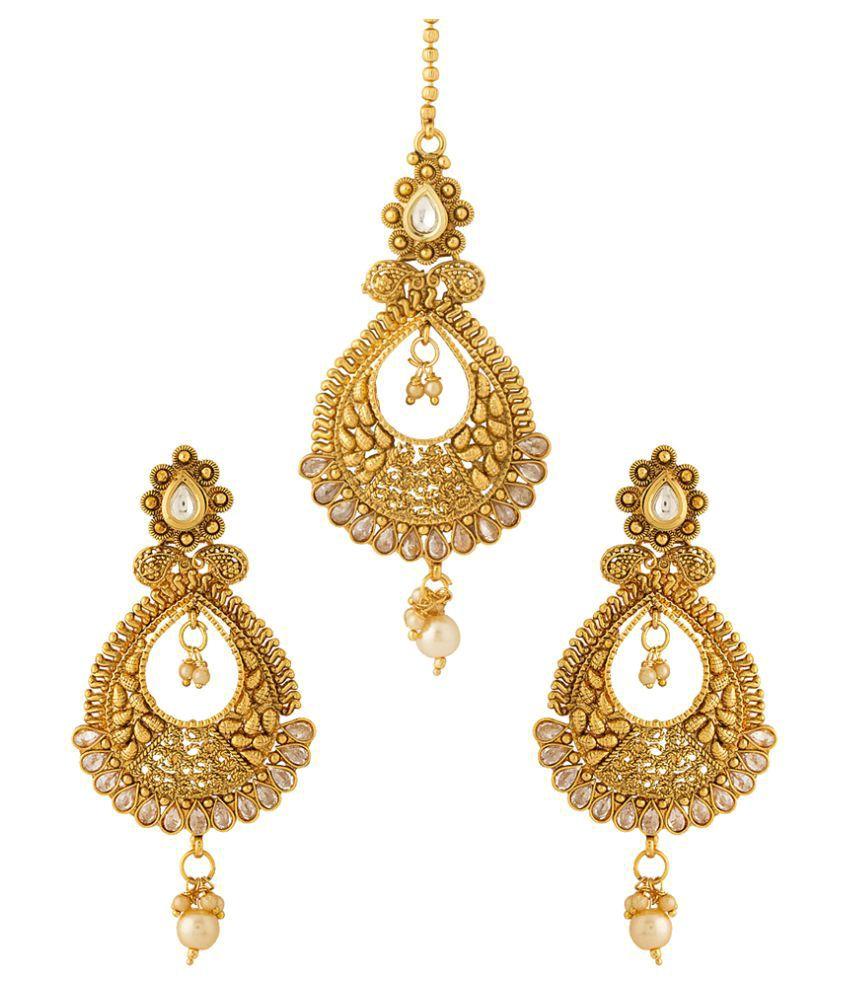Voylla Classy Pair of Earrings with Kundan