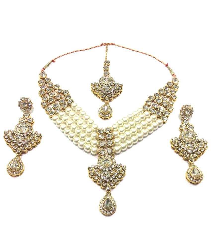 JAGREX Golden Necklace Set with Maangtika