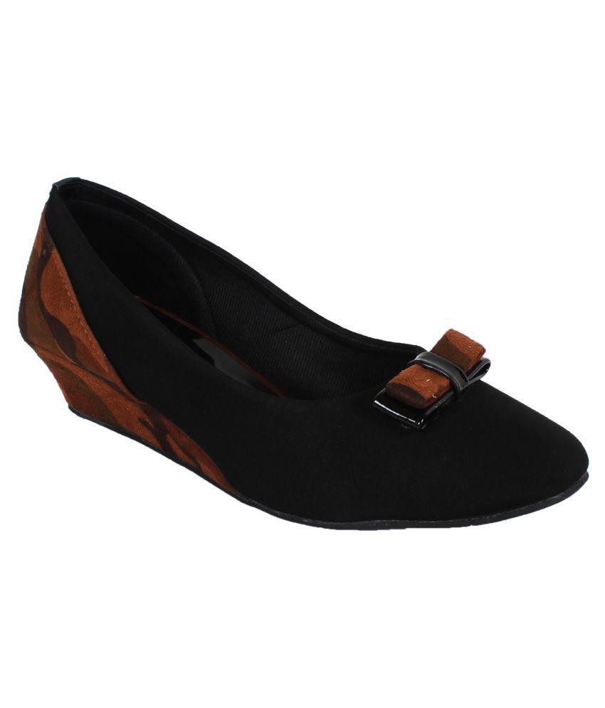 Saner Black Wedges Heels