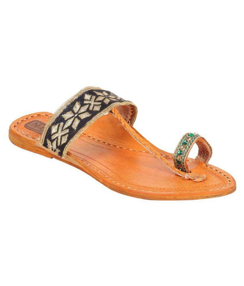 N-Gal Black Flat Ethnic Footwear