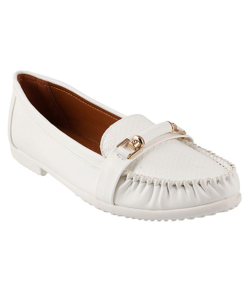 MOCHI WHITE Ballerinas