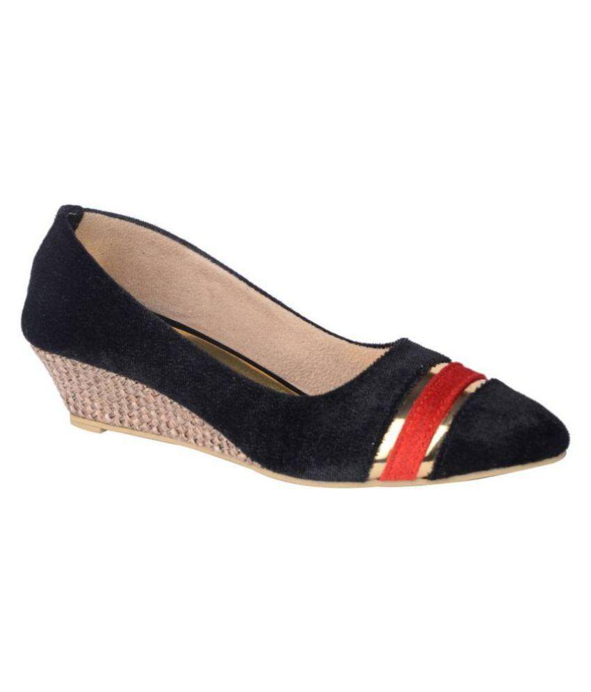 Relexop Black Wedges Heels