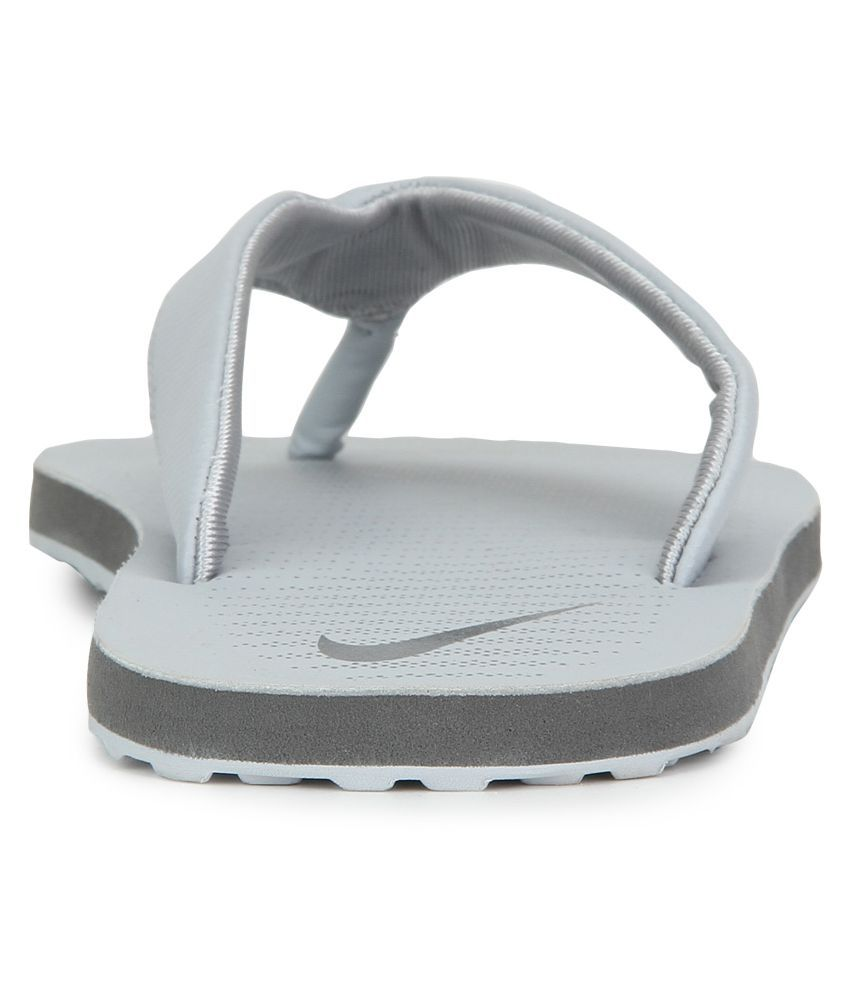 30d49a8416df Nike CHROMA THONG 5 White Thong Flip Flop Price in India- Buy Nike ...