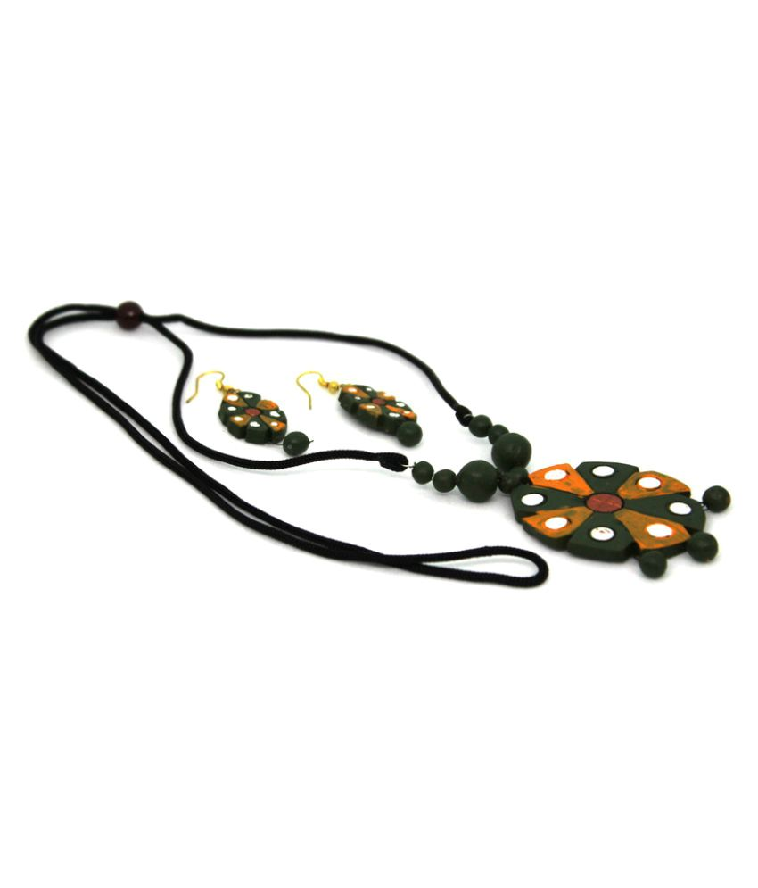 More Bangla Multicolour Necklace Set