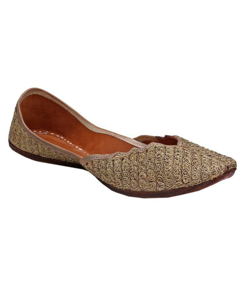 GoldenNest Gold Flat Ethnic Footwear