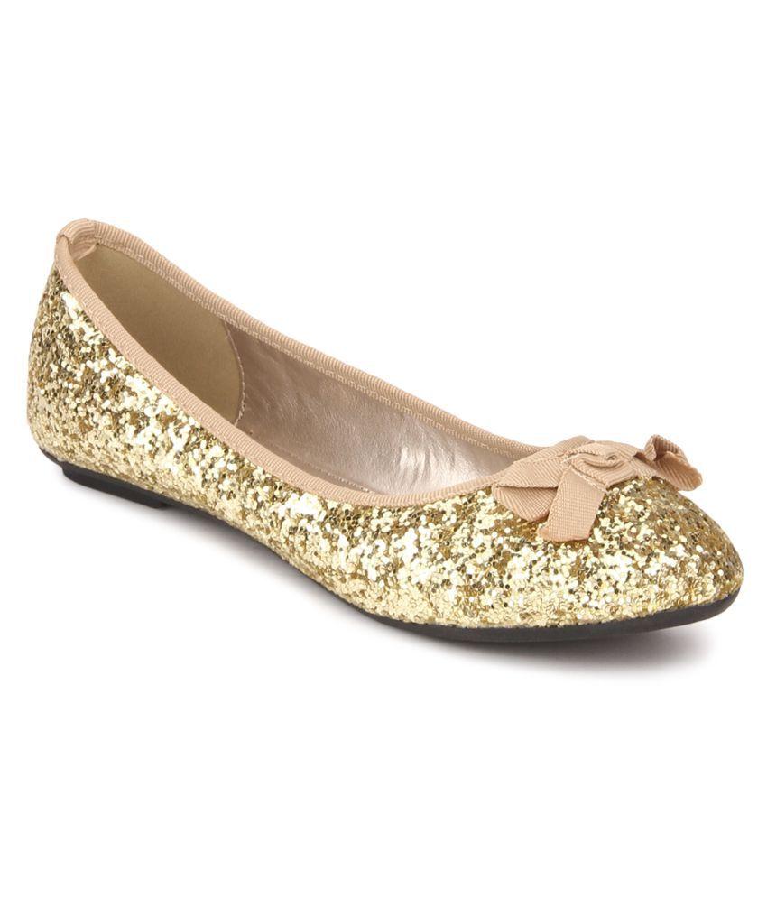 Carlton London Gold Ballerinas