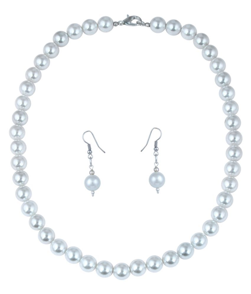 Pearl Ocean Classique Set in a Natural Taiwan Shell Pearls in Round shape with a Huge 10mm size for Beauties.