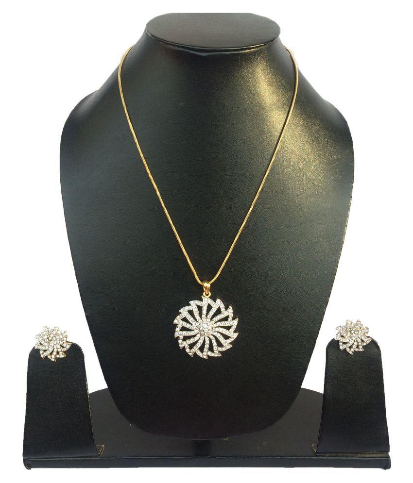 Hunar's Dazzling American Diamond Pendant Set