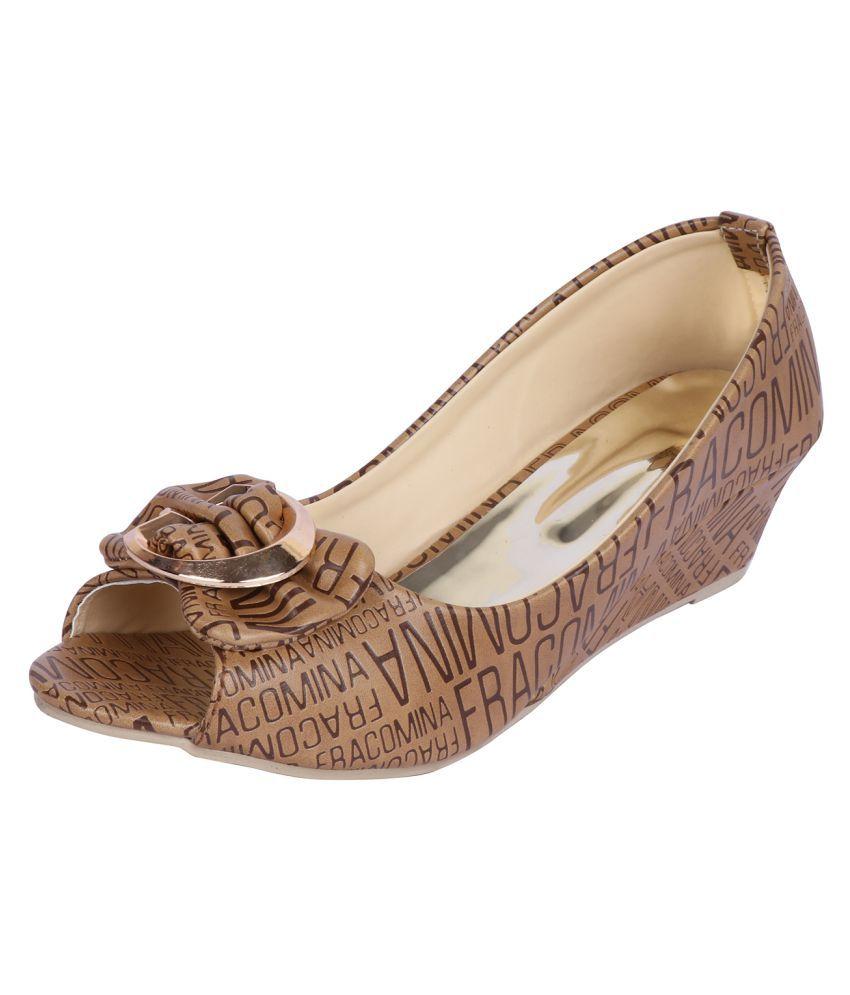 Smart Traders Brown Wedges Heels