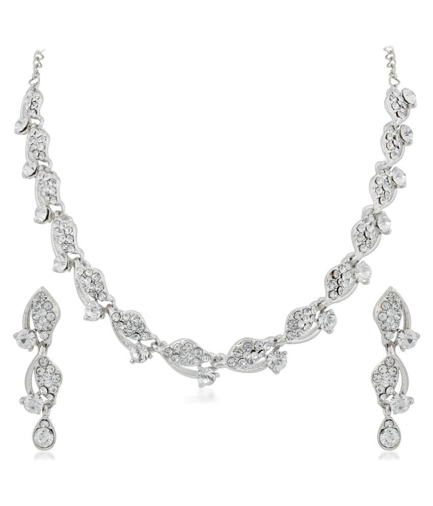 Apara Sparkling Stones Necklace Set