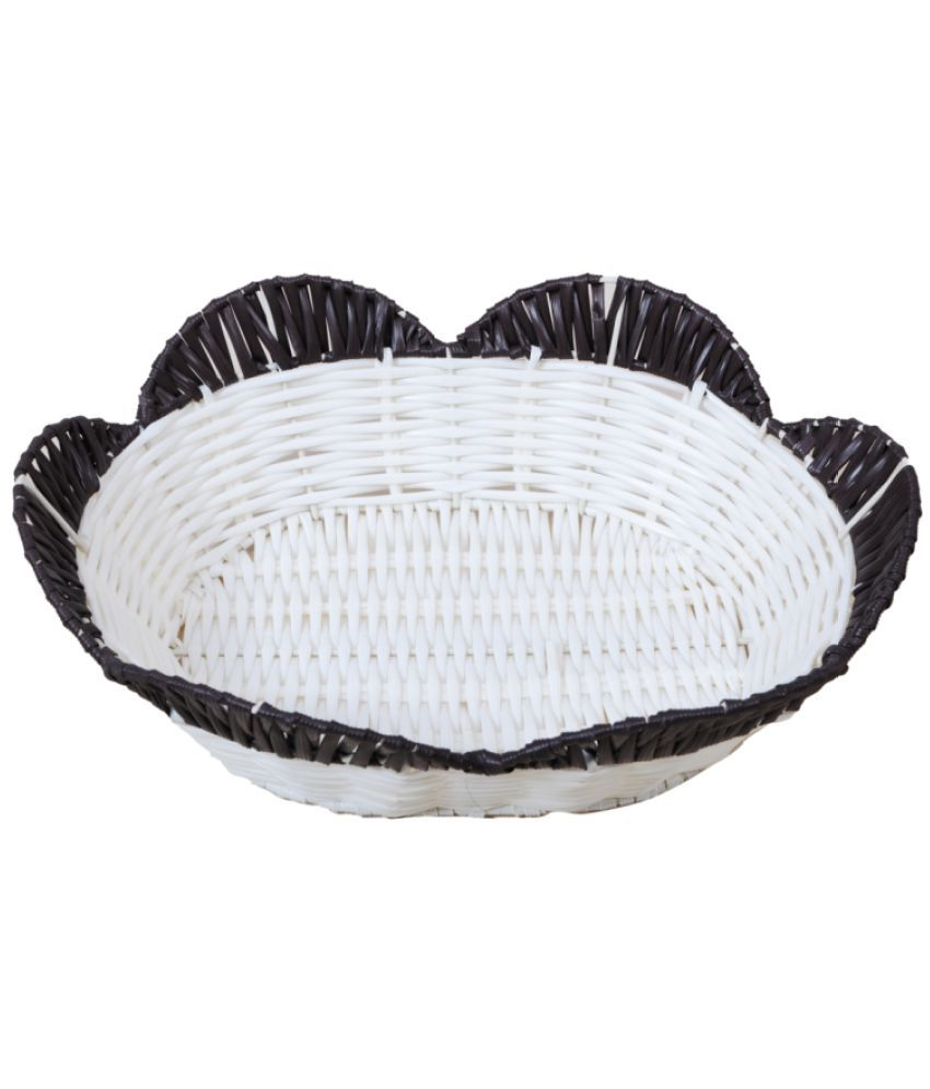 Aagaman Fashions White Plastic Basket 8 - Pack of 1