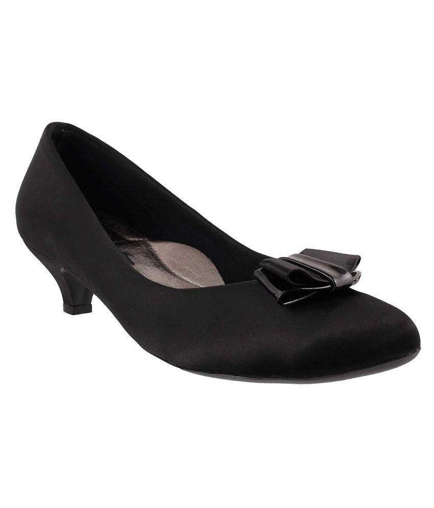 METRO BLACK Kitten Heels