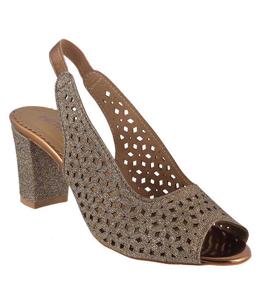 METRO GOLD Block Heels