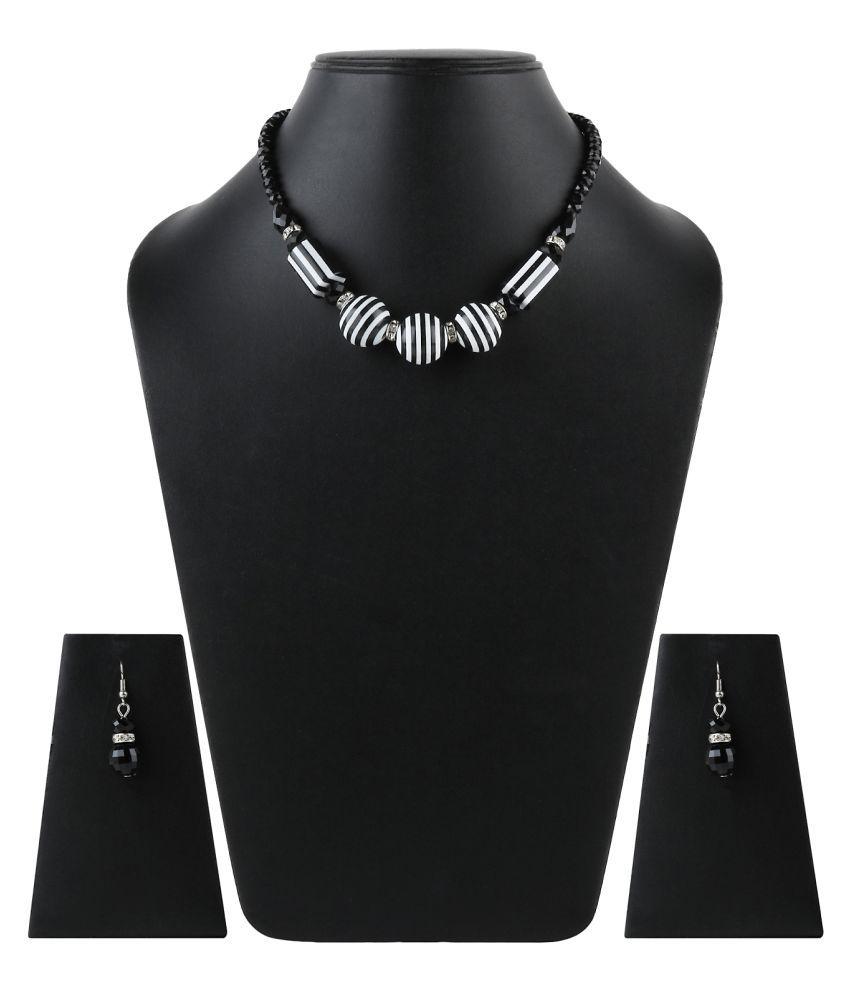 Stylerz Black & White Mother Of Pearl Necklace Set For Women