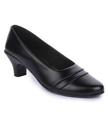 Naisha Black Formal Shoes