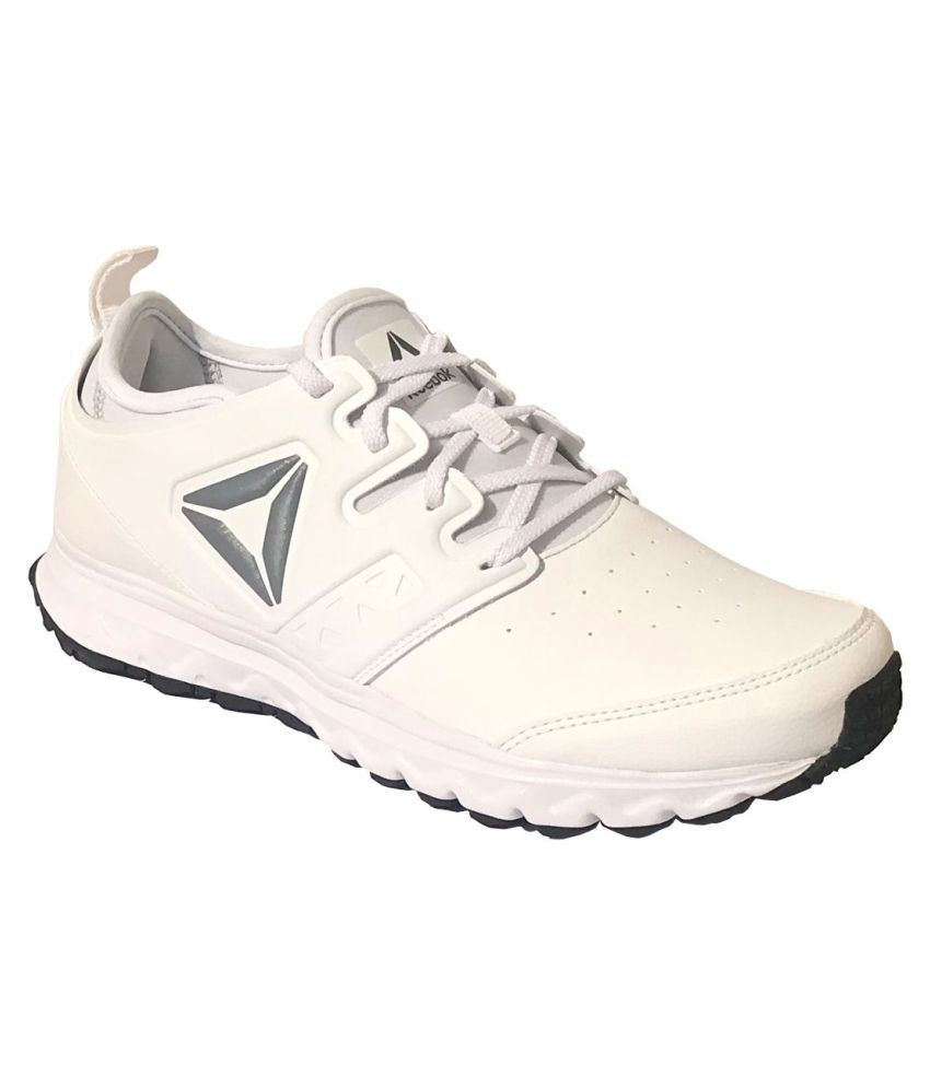 cad3dfe1be6a Reebok Walk Optimum Xtreme Men s White Running Shoes - Buy Reebok Walk  Optimum Xtreme Men s White Running Shoes Online at Best Prices in India on  Snapdeal