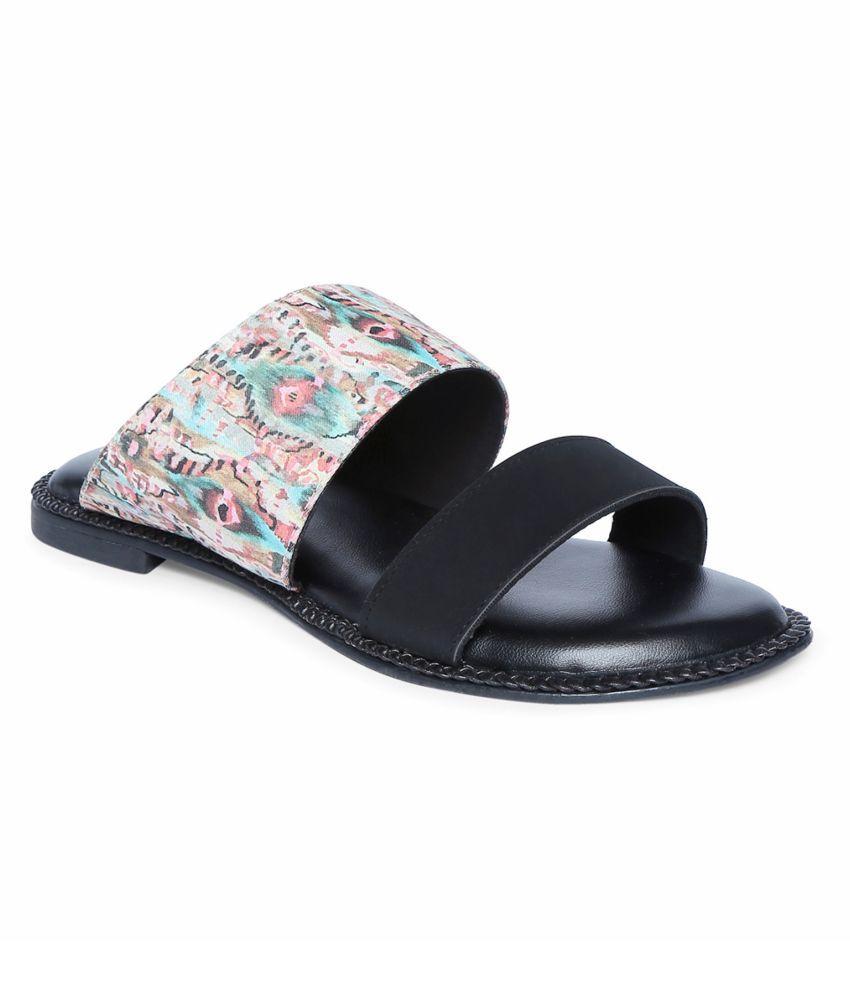 Siendo Desi Black Platforms Heels