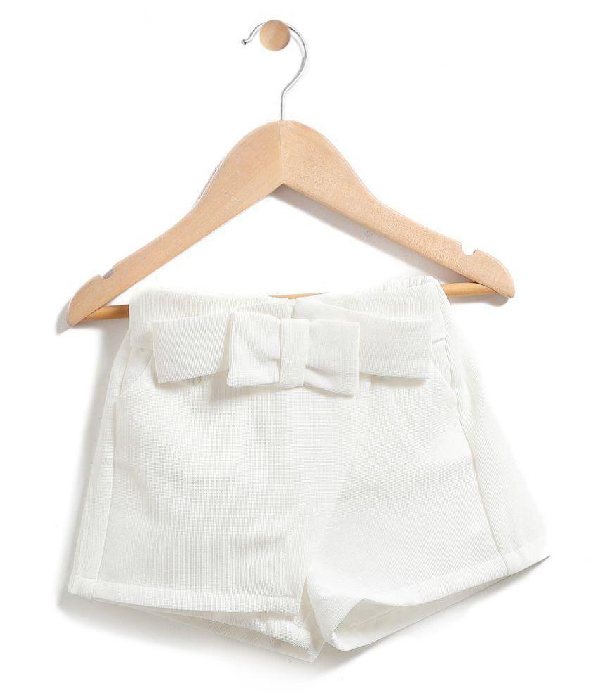 Chimprala white cotton shorts for girls