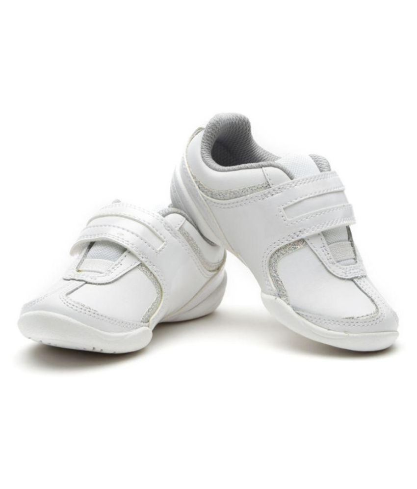 62160d42428 Clarks Girls Leather Casual Shoes Price in India- Buy Clarks Girls Leather  Casual Shoes Online at Snapdeal