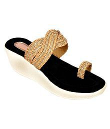 ed4688bce72 Ethnic Shoes: Buy Wedding Shoes for Women Online at Best Prices in ...