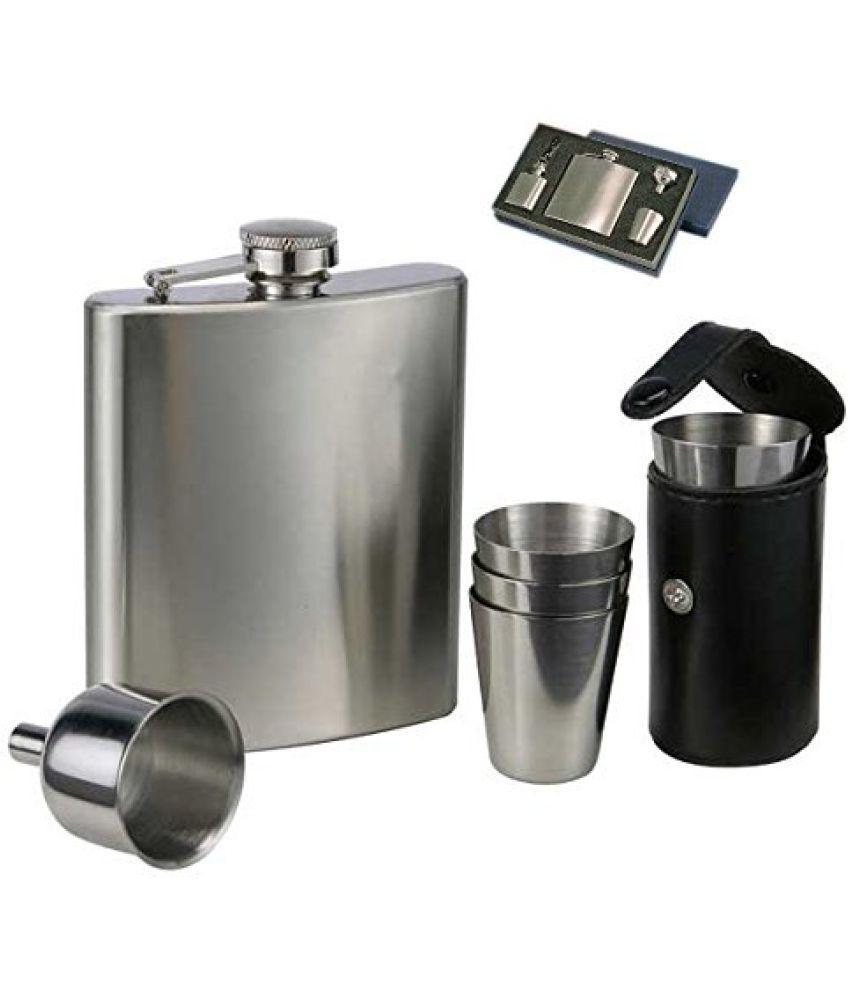 Jeeya Steel Hip Flask with 4 shot glasses & funnel, Bar Gift Set