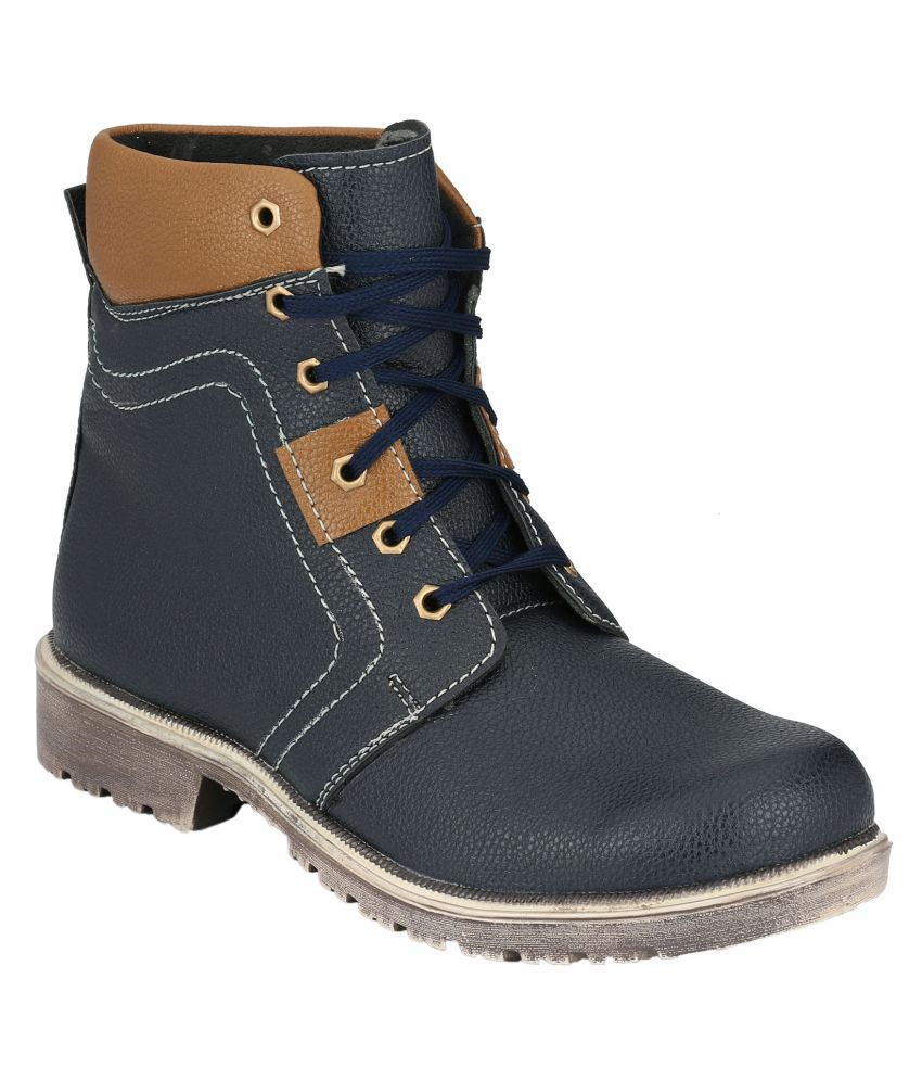 Magnolia Blue Chukka boot
