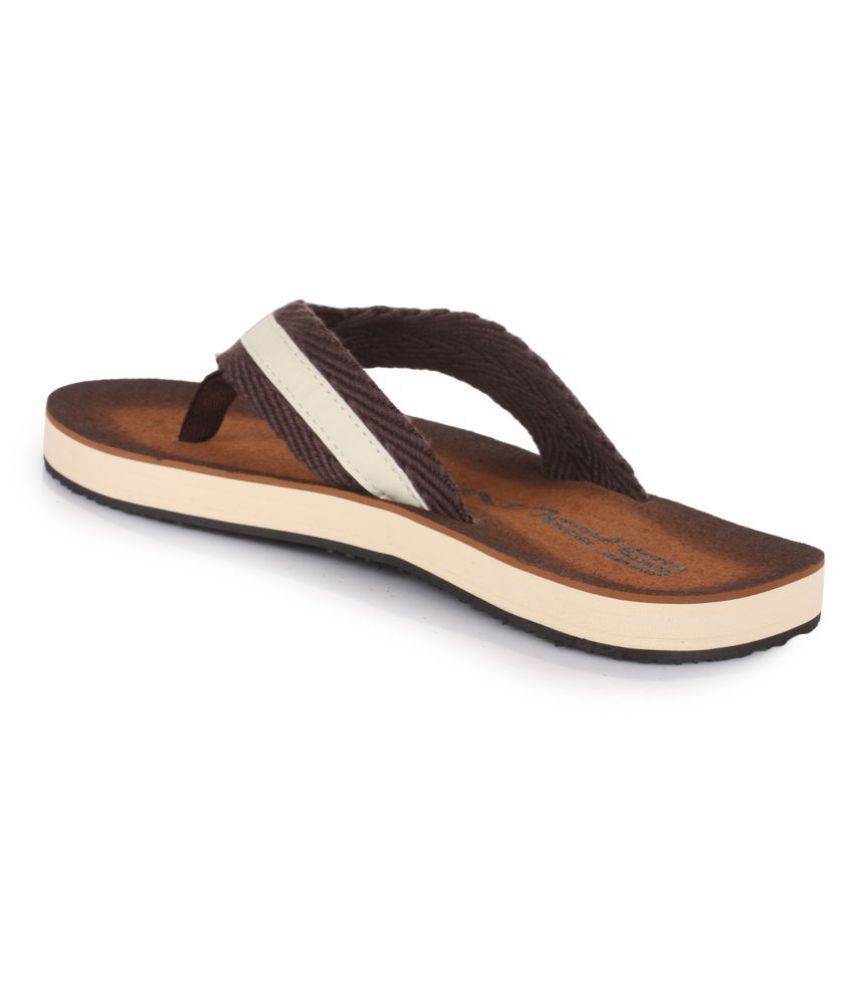 a929673a9e5 Spunk Dale Brown Daily Slippers Price in India- Buy Spunk Dale Brown ...