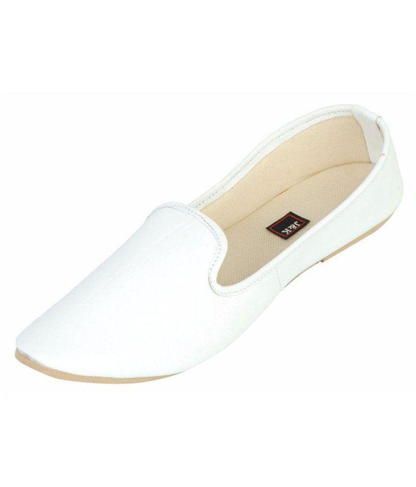 Juta & Kassa White Ethnic Footwear