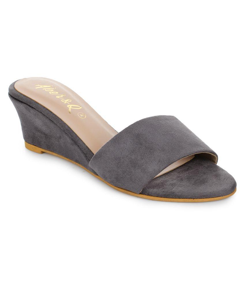 Aber & Q Gray Block Heels