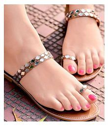 32dfdae8c Women s Sandals Upto 70% OFF  Buy Women s Sandals   Flat Slip-on ...
