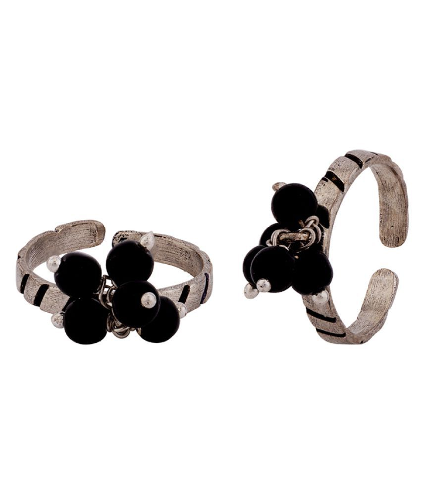 Voylla Grapevine Silver Plated Toe Rings