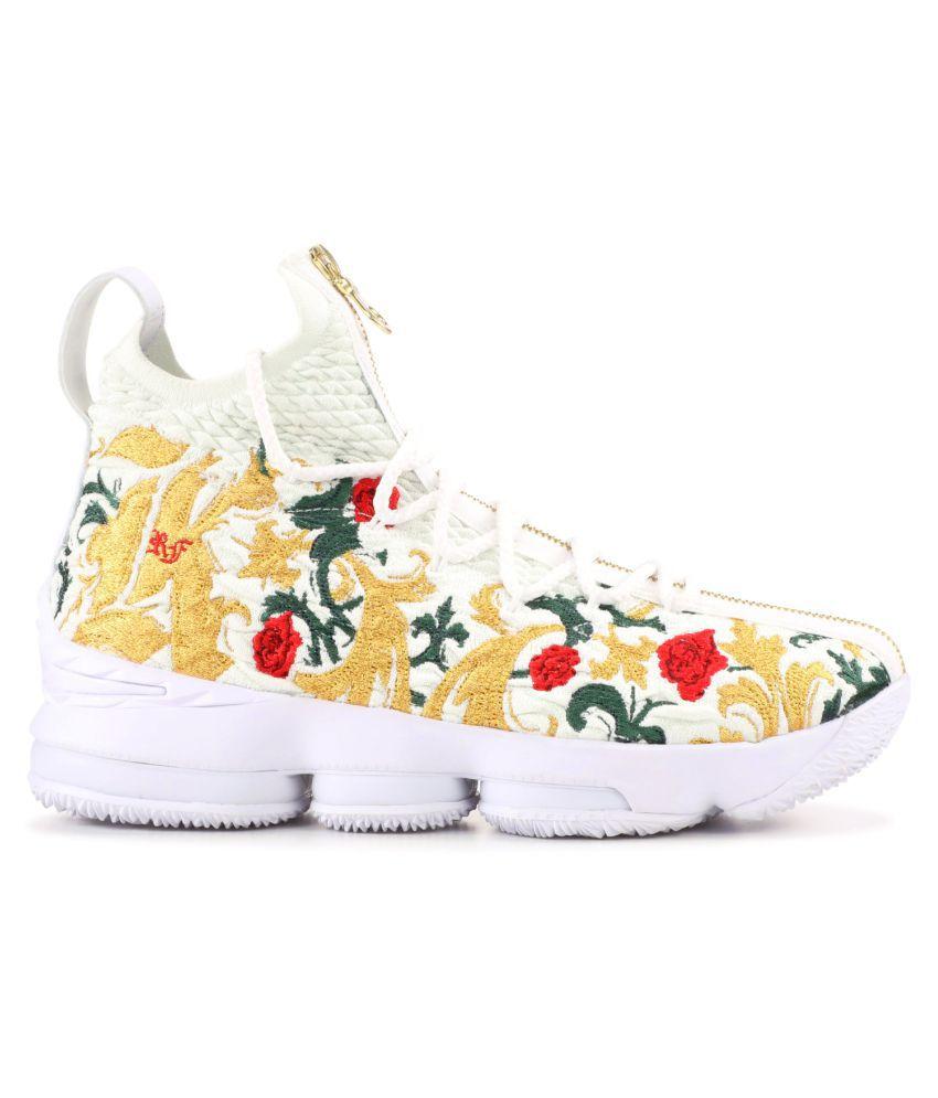 "innovative design ade2b 424df Nike LeBron 15 ""King's Crown"" 2019 White Basketball Shoes"
