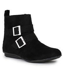 15a29c425f35 Boots for Women Sale  60% - 70% OFF on Womens Boots - Snapdeal India