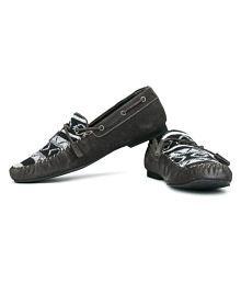 4098d75aaa47 Carlton London Footwear - Buy Carlton London Footwear at Best Prices ...
