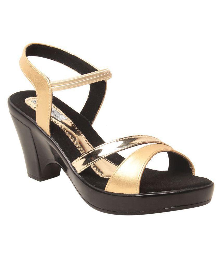 Feel It Gold Wedges Heels