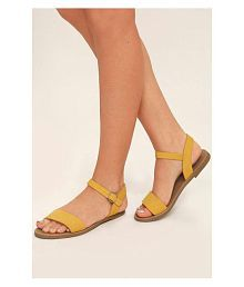 978b9c0ec3fd23 Women s Sandals Upto 70% OFF  Buy Women s Sandals   Flat Slip-on ...