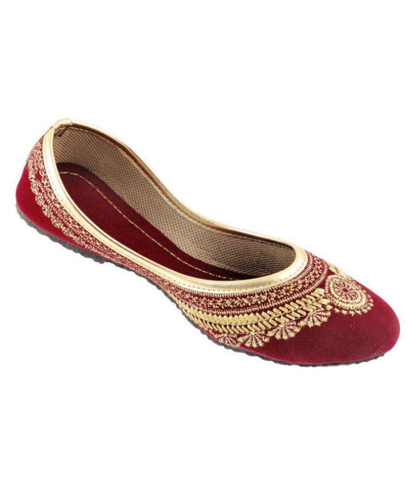 RAJASTHANI JUTI Red Ethnic Footwear