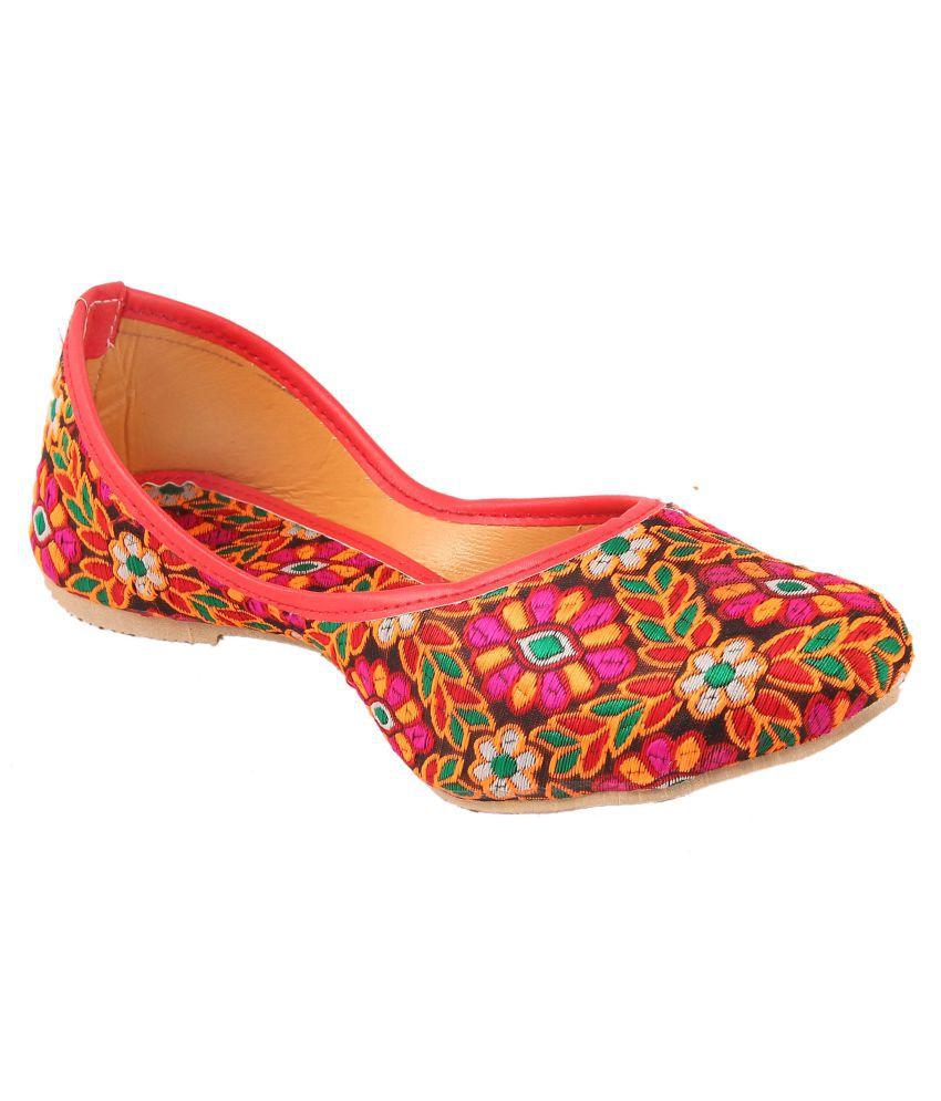 FEMMECRAFTS Pink Ethnic Footwear