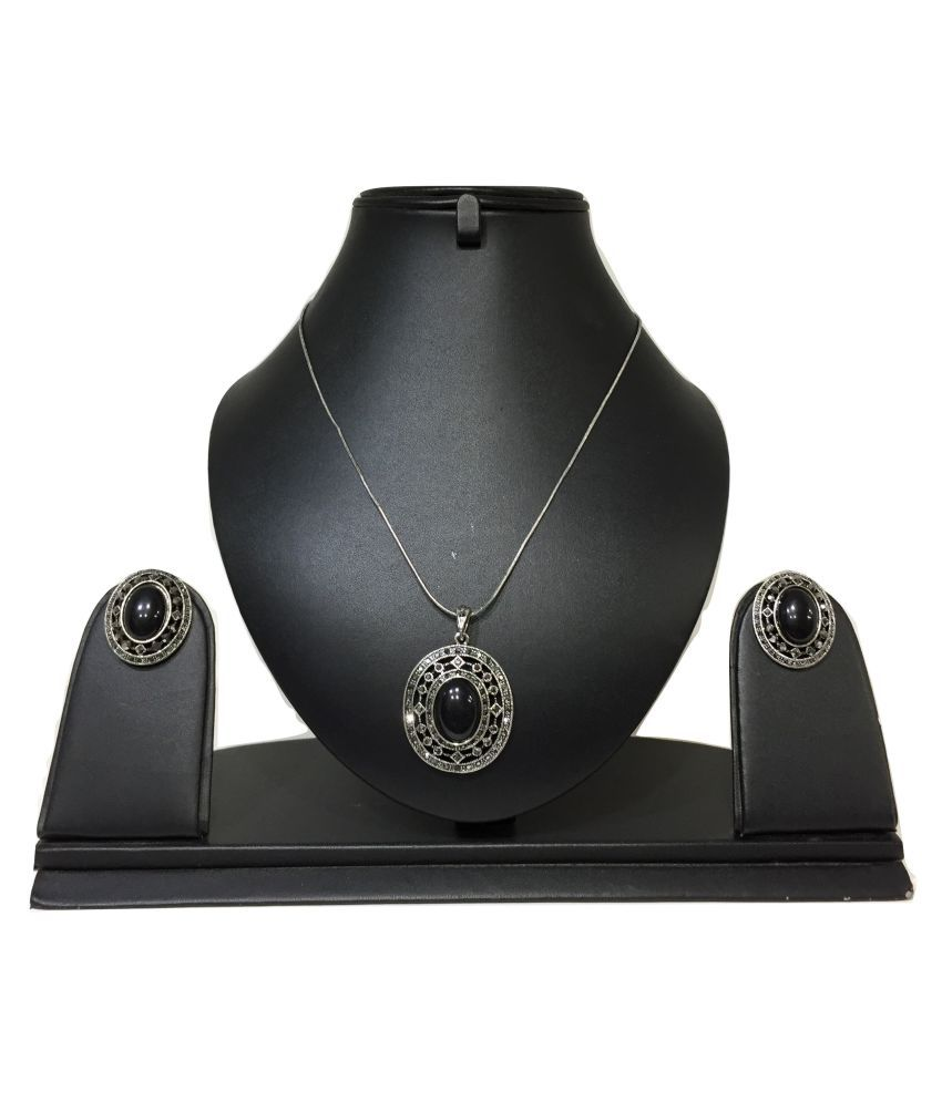 Stilvoll Necklaces Set
