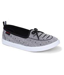 f6e1f772ee20 Sparx Women's Footwear - Buy Sparx Women's Footwear Online at Best ...